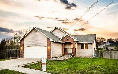 Single Family Home For Sale: 1502 Rivendell Street