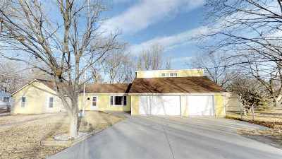 Junction City Single Family Home For Sale: 725 S Webster Street