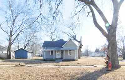 Junction City Single Family Home For Sale: 739 W 10th Street
