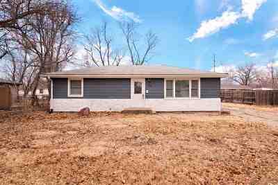 Manhattan Single Family Home For Sale: 708 Frey