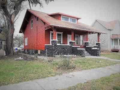 Single Family Home For Sale: 119 E 14th Street