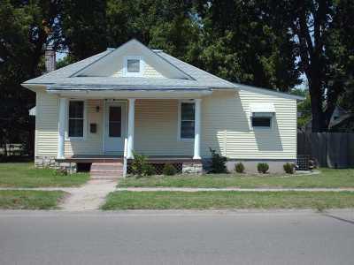 Manhattan Single Family Home For Sale: 1230 Yuma Street