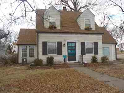 Wamego Single Family Home For Sale: 715 Poplar
