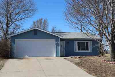 Ogden Single Family Home For Sale: 508 Mustang Drive