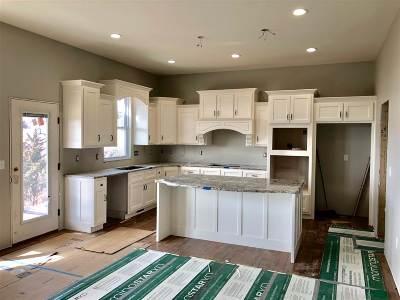 Manhattan Single Family Home For Sale: 4505 Lamonte Drive