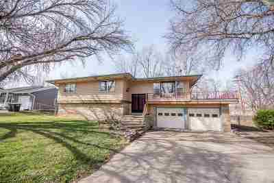 Wamego Single Family Home For Sale: 1204 W 10th Street