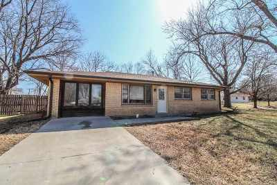 Single Family Home For Sale: 1612 Stewart Court
