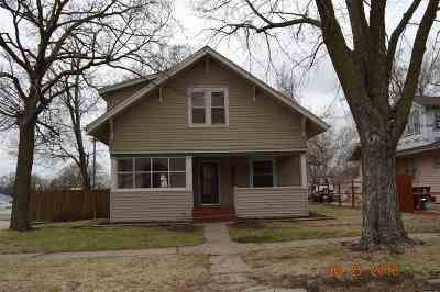 Herington Single Family Home For Sale: 319 S Broadway