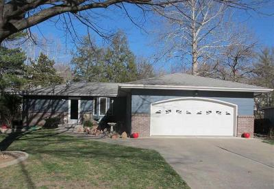 Manhattan Single Family Home For Sale: 3204 Highland Circle
