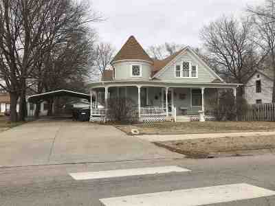 Alma Single Family Home For Sale: 215 E 7th Street