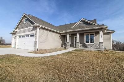 Wamego Single Family Home For Sale: 14087 Prairie Fire Lane