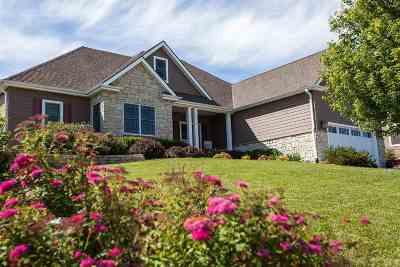 Manhattan Single Family Home For Sale: 3509 Vanesta Drive