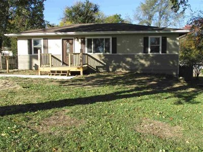Wamego Single Family Home For Sale: 907 Poplar Street