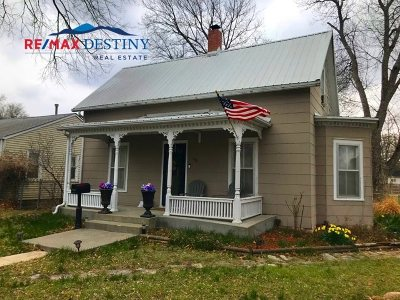 Wamego Single Family Home For Sale: 602 Locust Street