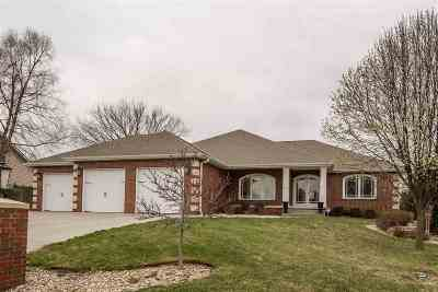 Wamego Single Family Home For Sale: 121 Oakhill Circle
