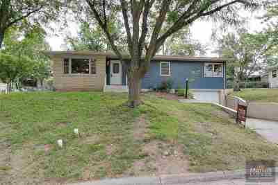 Junction City Single Family Home For Sale: 121 S Bunker Hill Drive