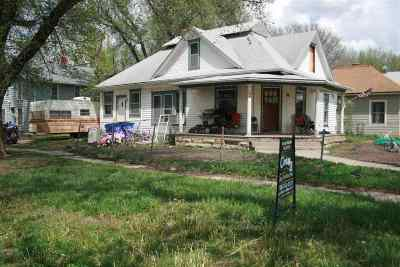Single Family Home For Sale: 140 W 10th Street