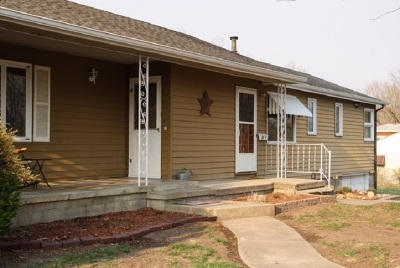 Clay Center Single Family Home For Sale: 307 Huntress