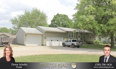 Manhattan Single Family Home For Sale: 2212 Casement