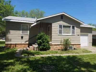 Manhattan Single Family Home For Sale: 1306 Yuma St