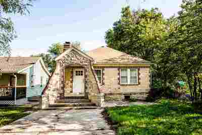 Junction City Single Family Home For Sale: 320 W Elm Street