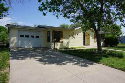 Herington Single Family Home For Sale: 300 E Ash Street