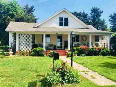 Clay Center Single Family Home For Sale: 741 Lafayette