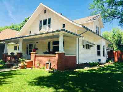 Clay Center Single Family Home For Sale: 739 Dexter