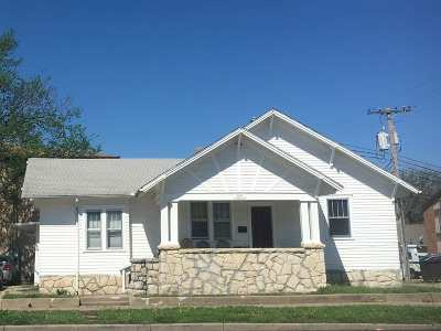 Single Family Home Sold: 809 N 11th Street