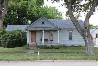 Solomon Single Family Home For Sale: 200 W 4th Street