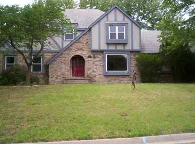 Junction City Single Family Home For Sale: 208 Arapahoe Court