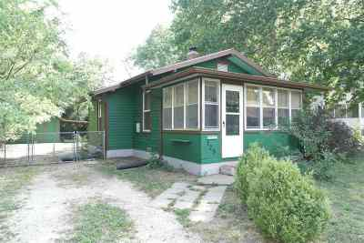 Single Family Home For Sale: 125 W Pine