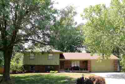 Manhattan KS Single Family Home For Sale: $199,500