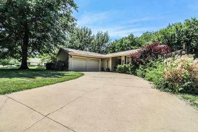 Single Family Home For Sale: 701 Adam Drive