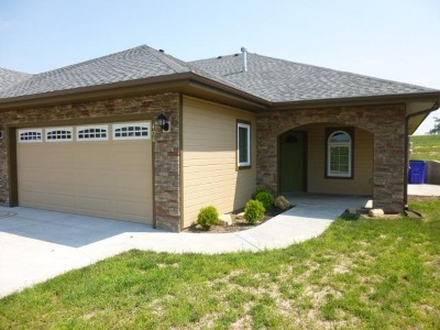 Junction City Single Family Home For Sale: 408 Michael's Court