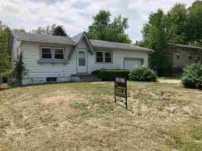 Junction City Single Family Home For Sale: 1421 W 14
