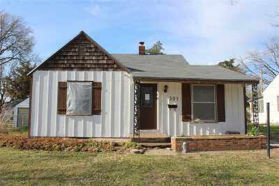 Abilene Single Family Home For Sale: 307 NE 13th Street