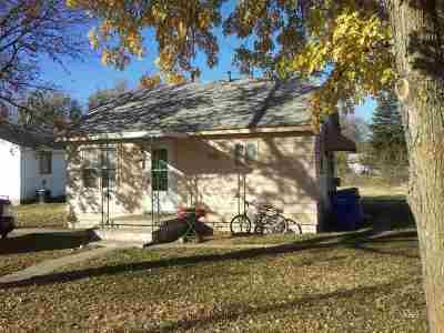 Junction City Single Family Home For Sale: 1124 N Eisenhower Drive