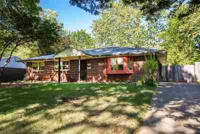 Manhattan Single Family Home For Sale: 1737 Vaughn Drive
