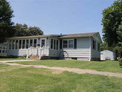 Clay Center Single Family Home For Sale: 815 Lane Street