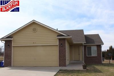 Junction City Single Family Home For Sale: 813 Kansa Avenue