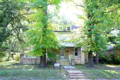 Single Family Home Sold: 418 N 5th Street