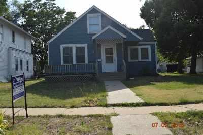 Herington Single Family Home For Sale: 115 S B