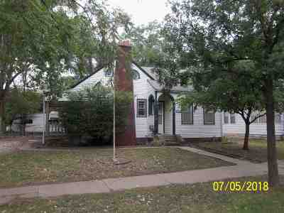 Junction City Single Family Home For Sale: 113 W 2 Street