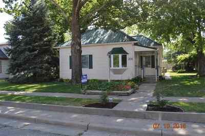 Herington Single Family Home For Sale: 706 N B Street