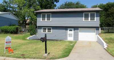 Junction City Single Family Home For Sale: 1520 Rockwell Drive