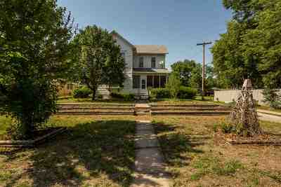 Abilene Single Family Home For Sale: 207 NE 12th Street