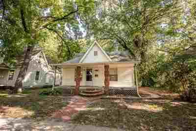 Manhattan Single Family Home For Sale: 523 Kearney Street