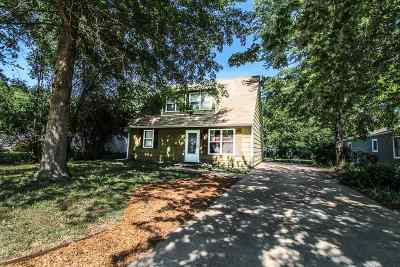 Manhattan Single Family Home For Sale: 2132 Halls Landing