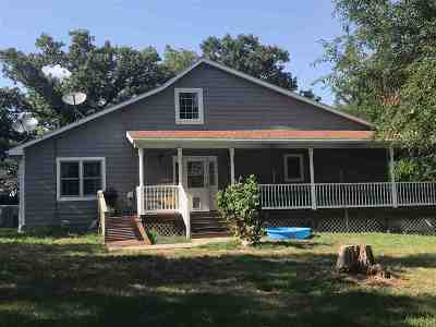 Wabaunsee County Single Family Home For Sale: 26427 NW McFarland Frontage